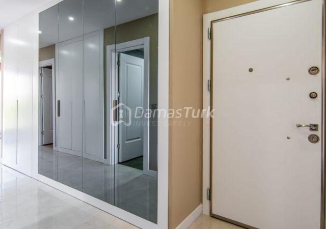 مجمع شقق استثماري جاهز للسكن بإطلالة بحرية رائعة في اسطنبول الأوروبية منطقة بيوك شكمجة DS283  || داماس تورك العقارية 01